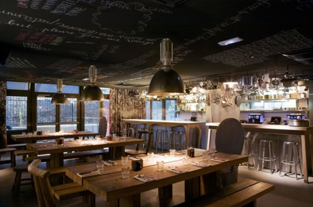 Restaurant tendance plafond orne citations 1